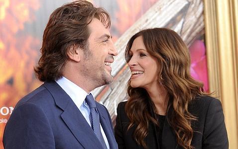 Javier Bardem y Julia Roberts presentan Come Reza Ama