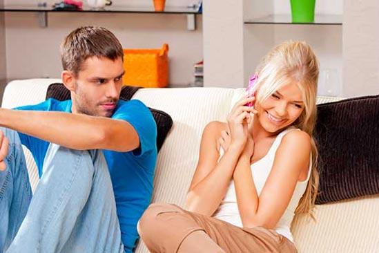 Cómo saber si tu pareja no ha superado la ruptura con su ex