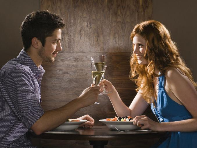 Cinco consejos para causar una buena impresión en una primera cita