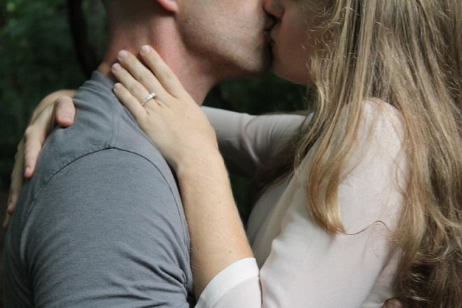 Cinco ideas para alimentar la autoestima de tu pareja