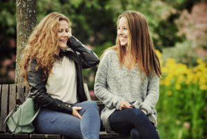 Cómo elevar la autoestima de tus amigos