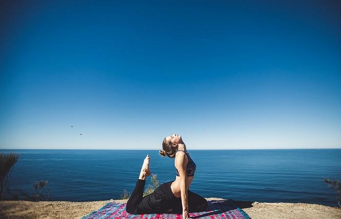 La terapia del yoga para curar el desamor