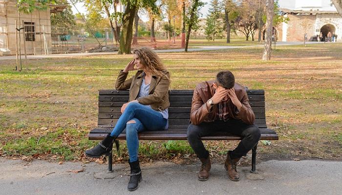 Signos de aburrimiento en las citas