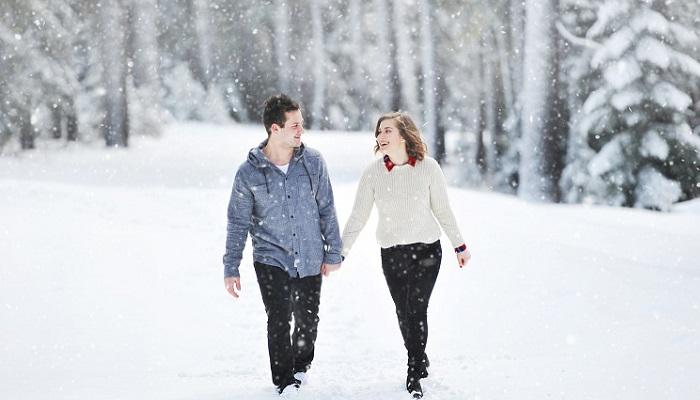 Caricias emocionales en las relaciones de amor y amistad