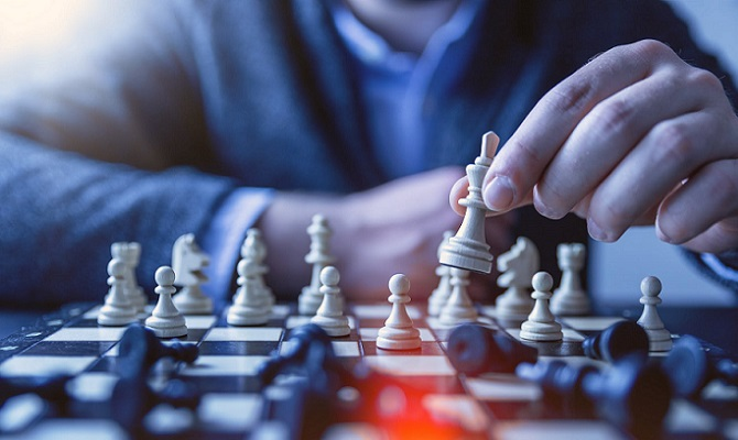 Jugar al ajedrez en pareja