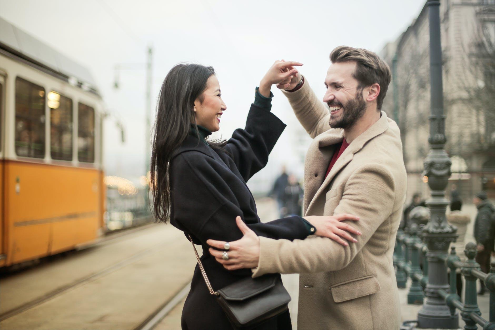 Cómo potenciar la alegría compartida en la relación
