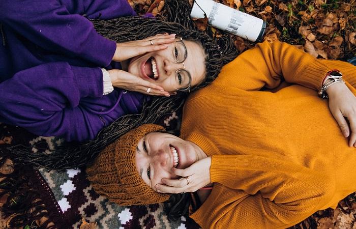 Conocer gente nueva: 5 consejos para afianzar una amistad