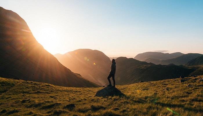Si huyes de la soledad, la soledad te persigue