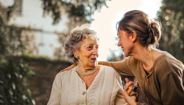 ¿Cómo conocer amigos nuevos para compartir aficiones?