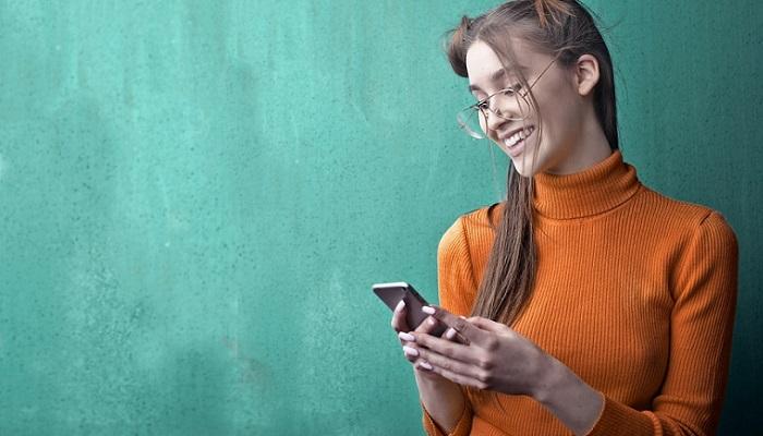 Comunicación en grupos de whatsapp en Navidad